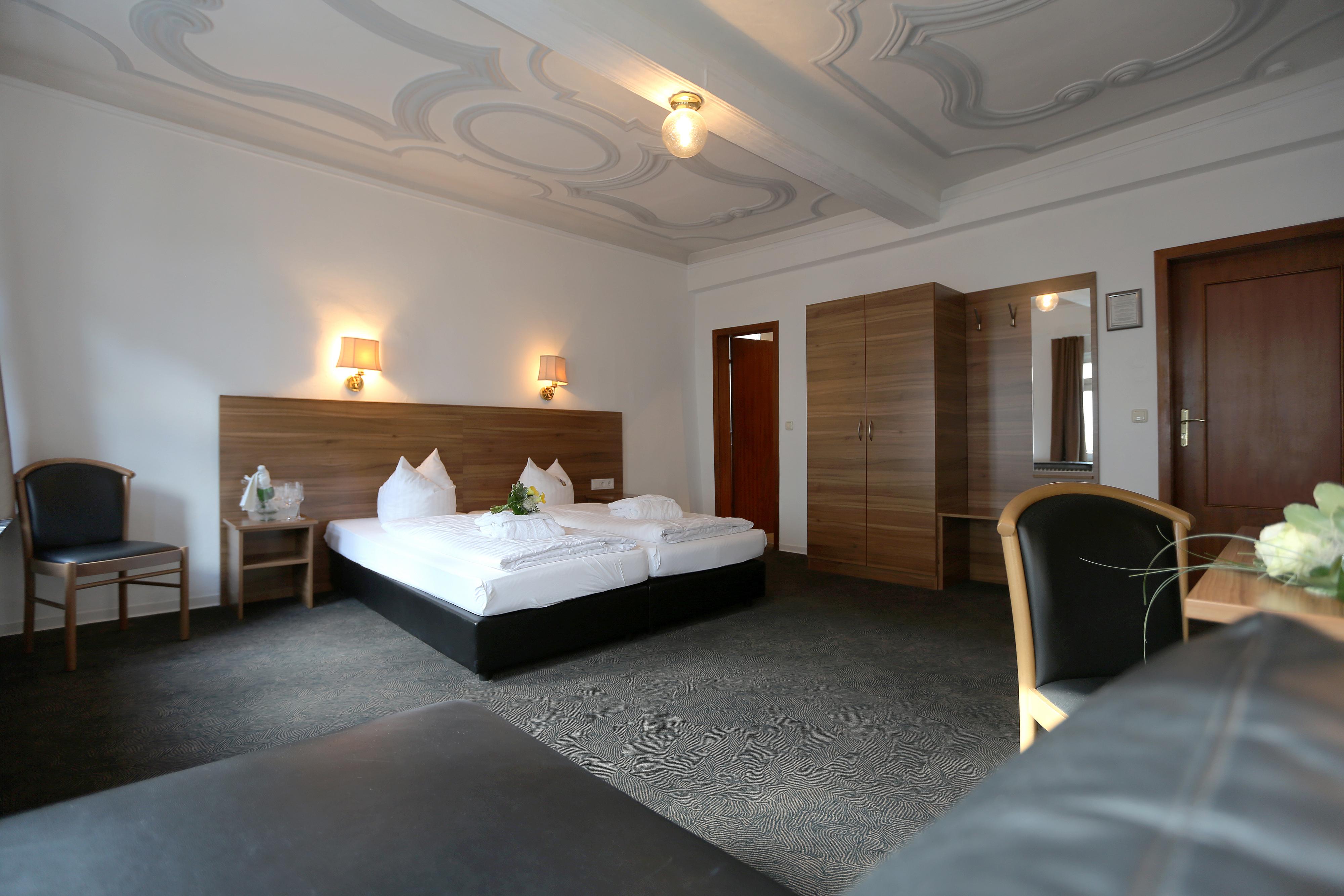 hotel schlemmer victors restaurant montabaur. Black Bedroom Furniture Sets. Home Design Ideas